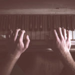 memorial-piano
